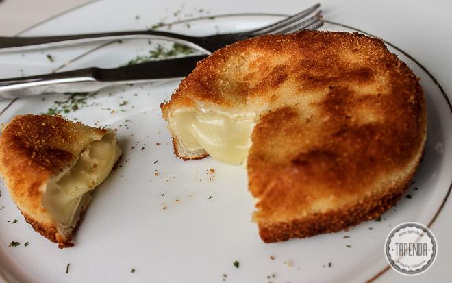 Camembert panierowany i smażony