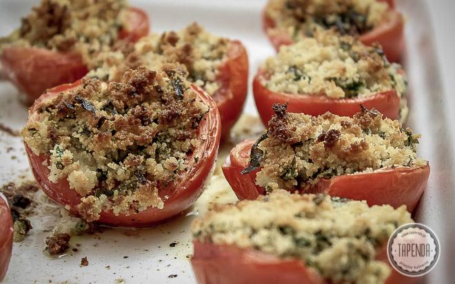 Zapiekane pomidory z bułką tartą i kaparami