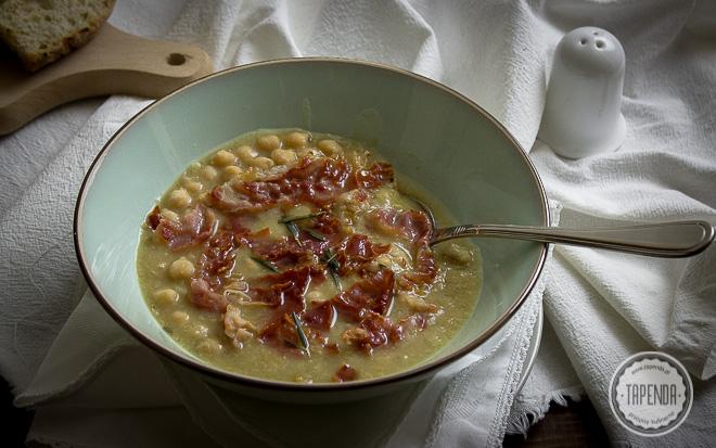 Aromatyczna zupa-krem z ciecierzycy