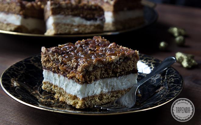 Ciasto miodowe z orzechami w karmelu