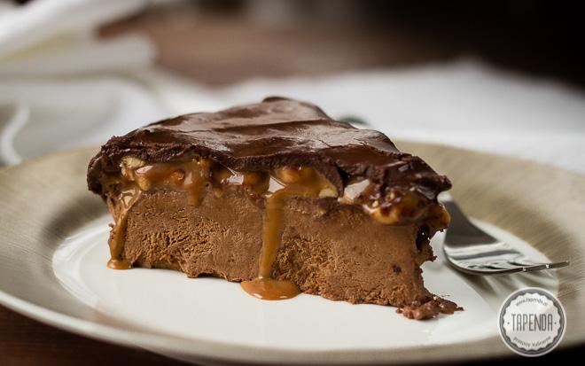 Deser lodowy z musem czekoladowym i karmelem