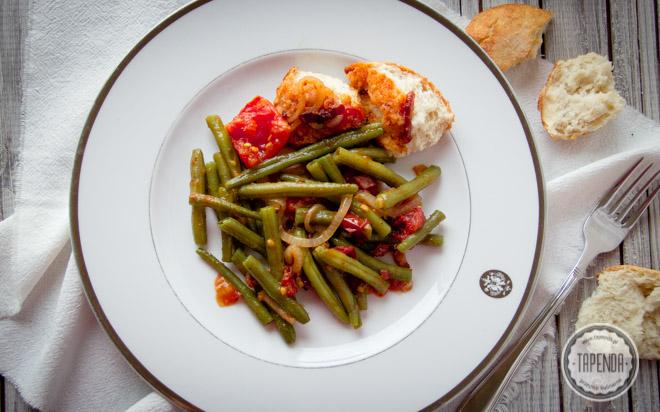 Fasolka szparagowa z pomidorami i z boczkiem