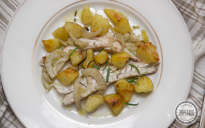 Labraks z fenkułem i pieczonymi ziemniakami