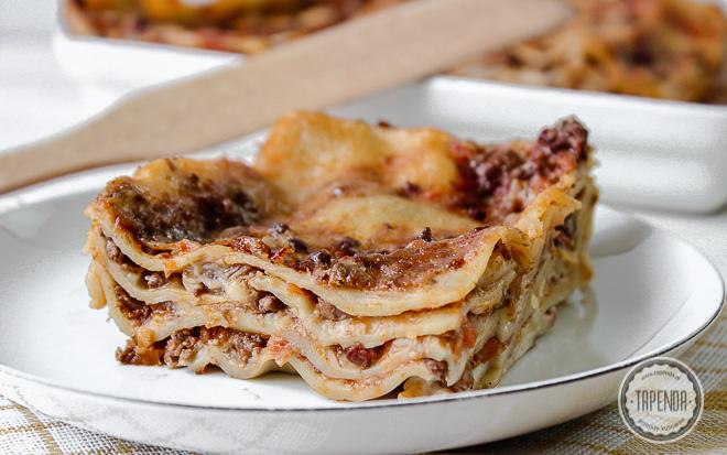 Lasagne z sosem bolońskim i beszamelem