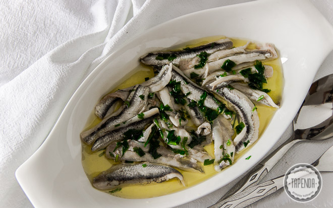 Marynowane sardynki w oliwie z natką pietruszki