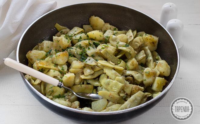 Smażone ziemniaki z fasolką i kaparami