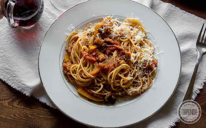 Spaghetti po sycylijsku z bakłażanem