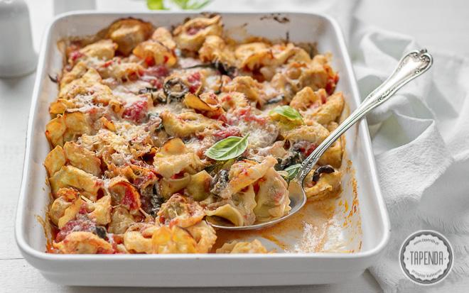 Zapiekane pierogi z mozzarellą i oliwkami